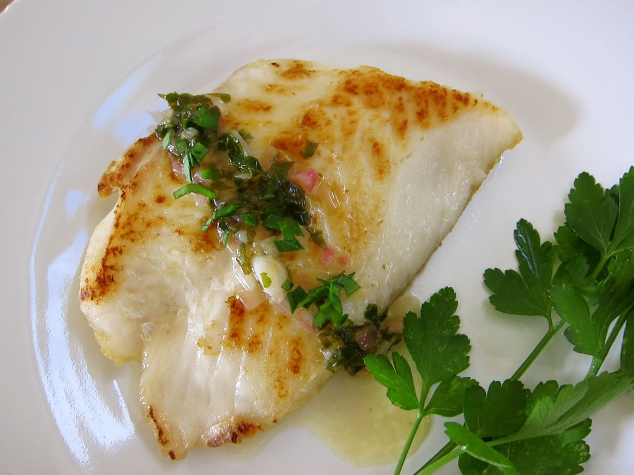 Cod sauteed in olive oil with fresh tomatoes recipe dishmaps for Fresh fish recipes
